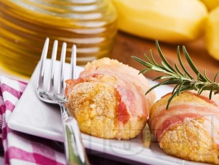 Печени картофени кюфтета с бекон и розмарин на фурна (без пържене, без лук) - снимка на рецептата